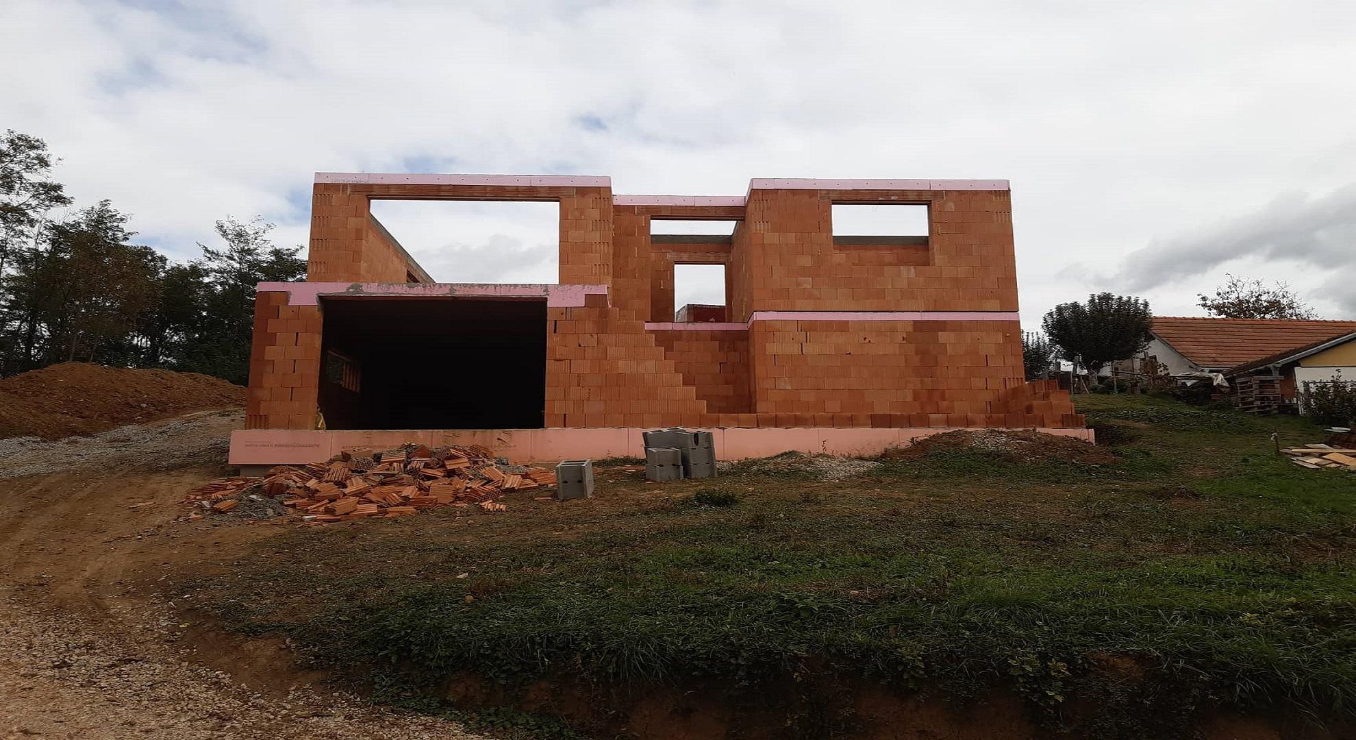Hosťovce 2019 (hrubá stavba - zrealizované)